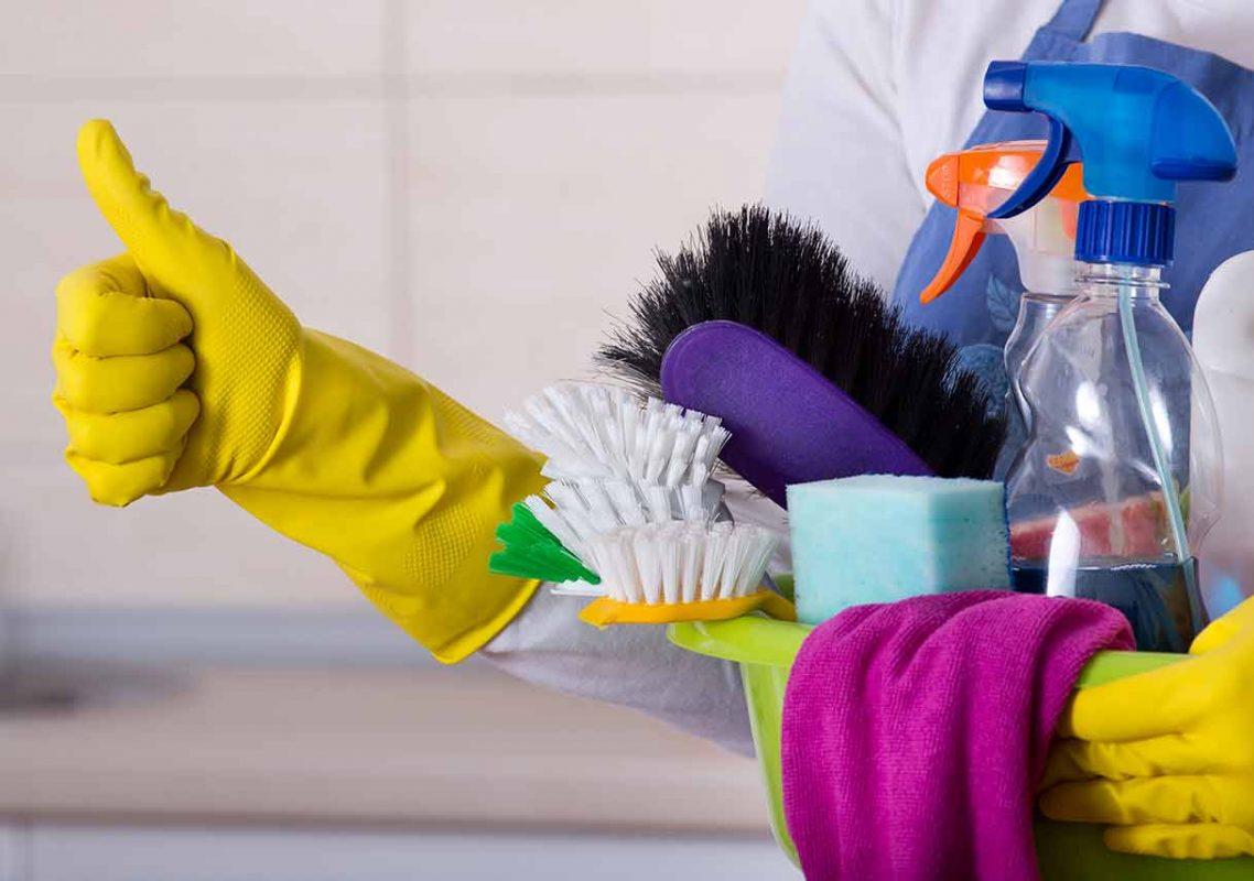 أدوات تنظيف المنزل
