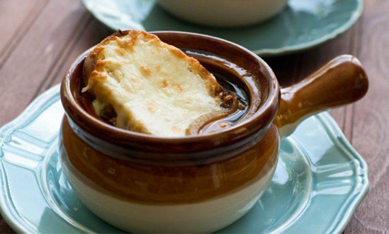 أشهر وصفتان لعمل الحساء الفرنسي جربيهما بمطبخك!