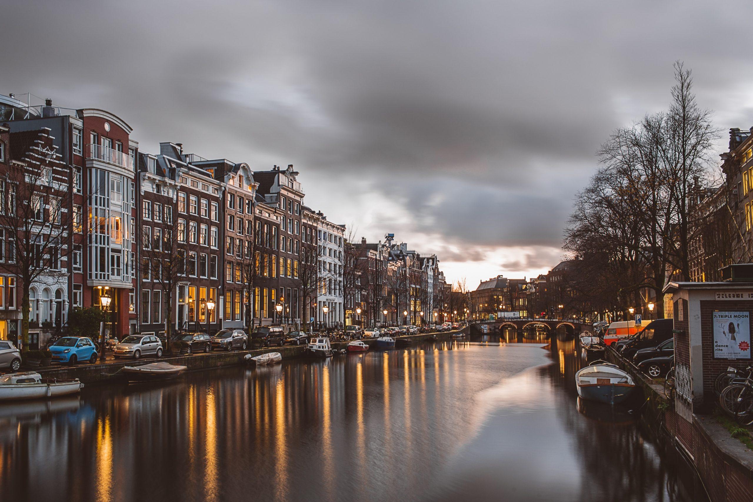 أفضل المناطق السياحية في أمستردام هولندا - مقالات   منصة القارئ العربى