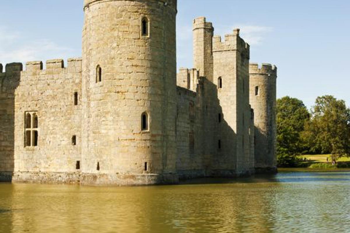 أجمل الأماكن المهجورة في العالم : قلعة بوديام في إنجلترا