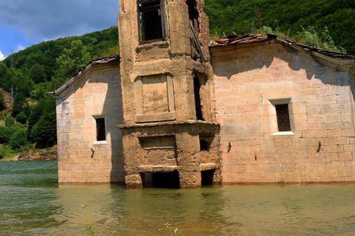 كنيسة القديس نيكولاس في مقدونيا