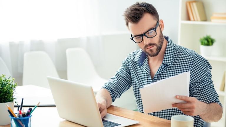 خطوات انتقاد الموظفين : أمنح الموظف فرصة للرد