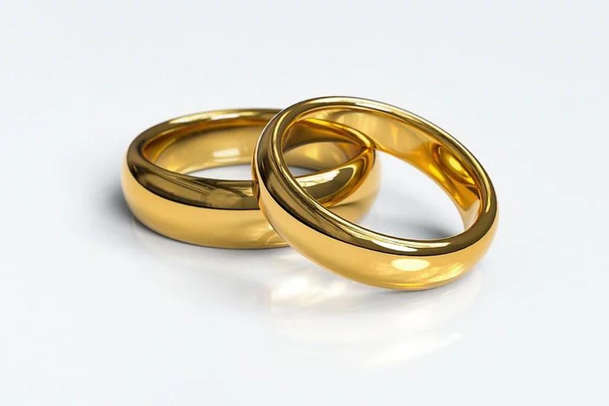 استخدم الأمونيا لتنظيف الذهب و المجوهرات
