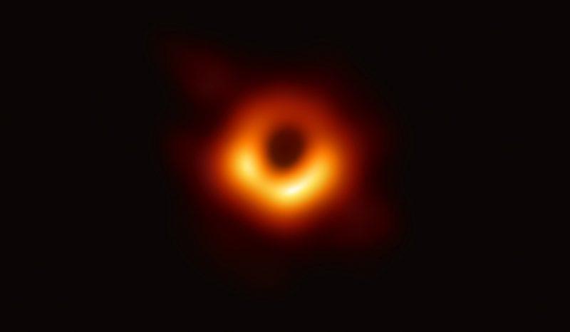أول صورة للثقب الاسود