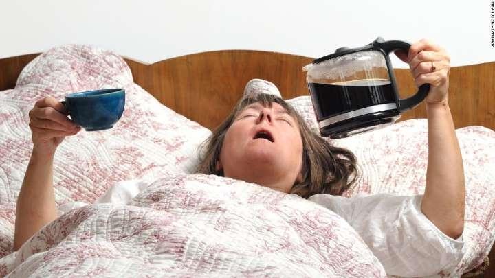 إحتساء المنبهات بعد الاستيقاظ عادة ضارة
