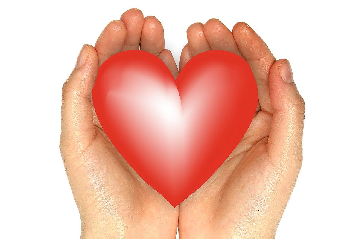 علامات إدمان الحب : الاعتقاد بأن الحب قادر على التغلب على أي شيء