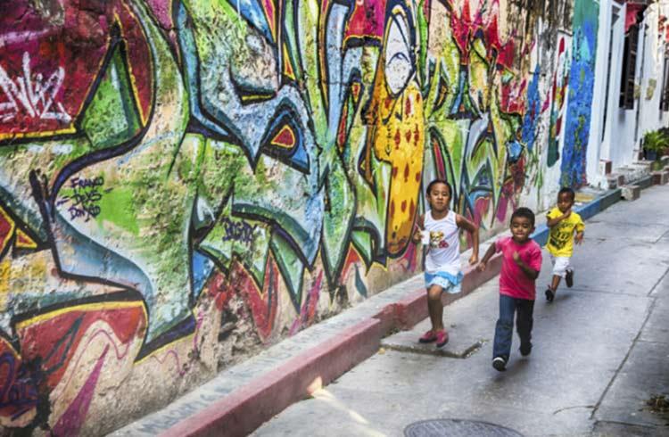 الأرض التي يخطوها الأطفال بمنتهى الحرية، هي أرض توفر الأمان