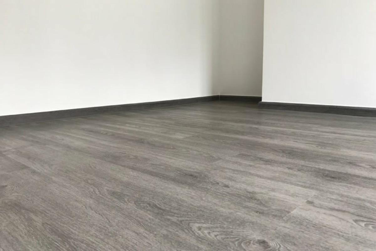 طرق استخدام الأمونيا : لإزالة الشمع من الأرضيات