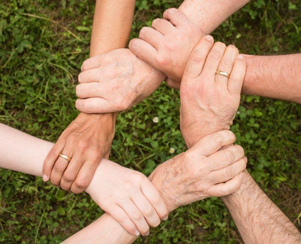 الإنسانية عهدنا، ومسؤوليتنا جميعا