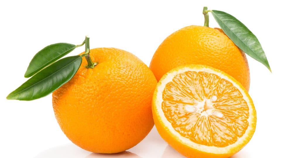 البرتقال واحد من عدة أطعمة غنية بالكالسيوم