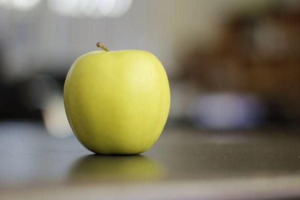 التفاح الأخضر والأصفر يساعد على نمو الشعر