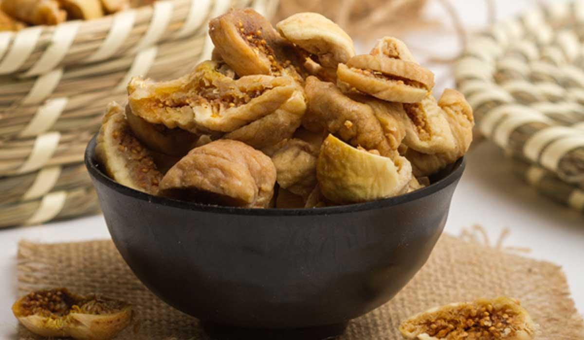 التين المجفف من عدة أطعمة غنية بالكالسيوم