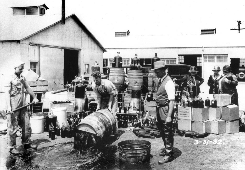 الحكومة الأمريكية قامت بتسميم الكحول