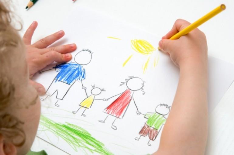 الرسم واحد من أفضل الأنشطة الترفيهية للأطفال