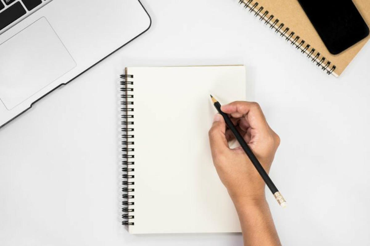 كتابة قائمة بالأغراض