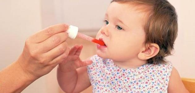 الطرق الصحيحة لإعطاء الدواء لطفلك