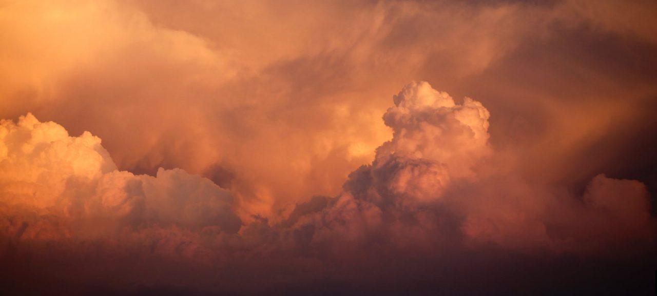 العواصف الترابية