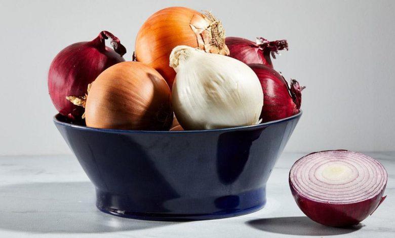 القيمة الغذائية للبصل، وأهم فوائده الصحية والجمالية