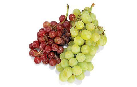 ما هي القيمة الغذائية للعنب ؟