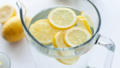 Photo of فوائد شرب الماء بالليمون : إليك 10 فوائد مدهشة