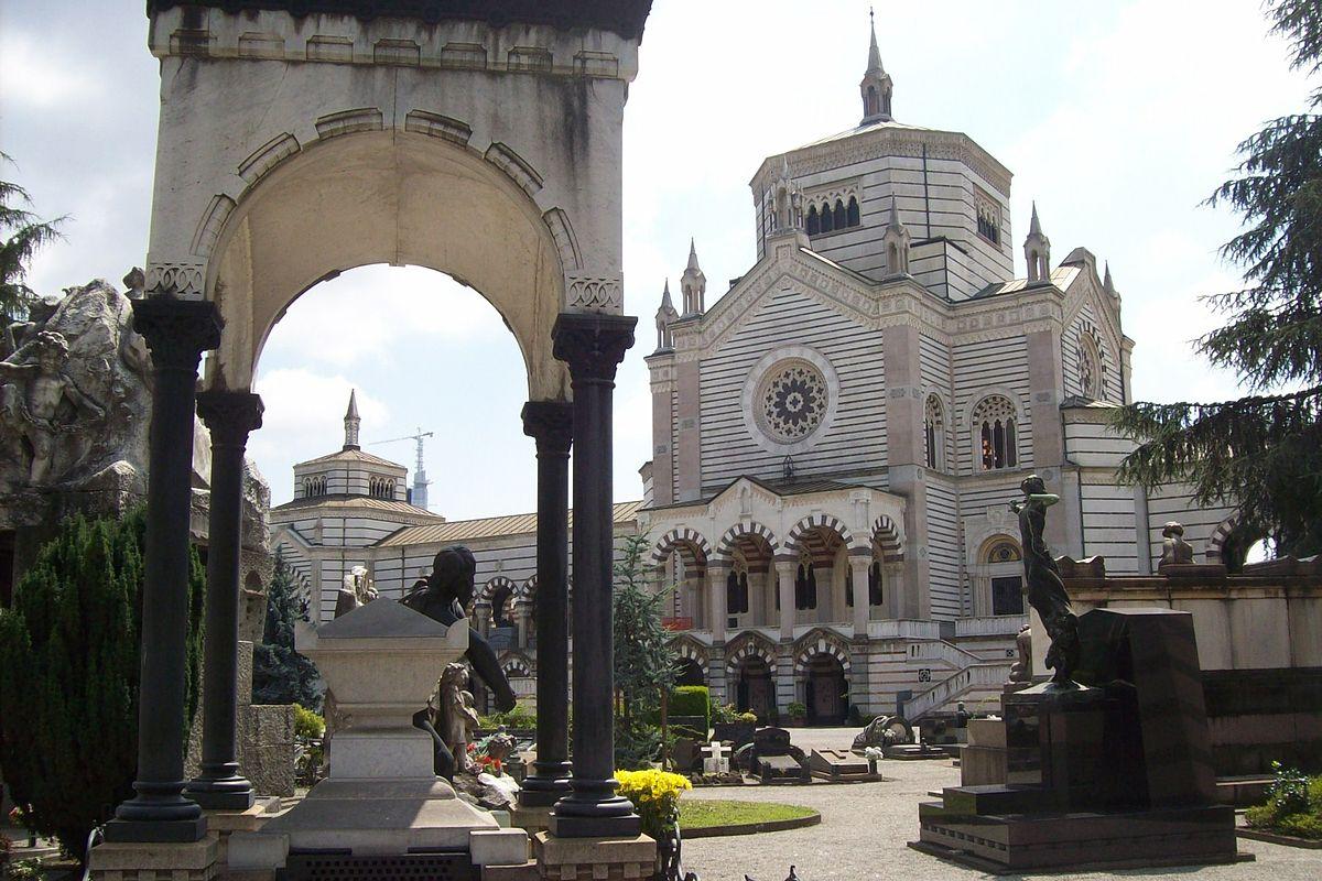 أفضل الأماكن السياحية في ميلان : المقبرة الأثرية