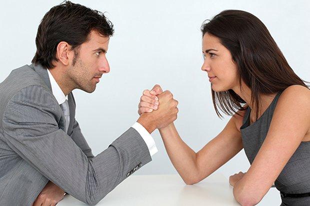ايهما اقوى الرجل ام المرأة