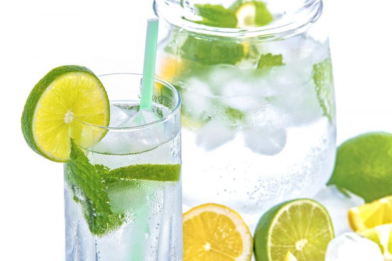 أهمية ماء الليمون