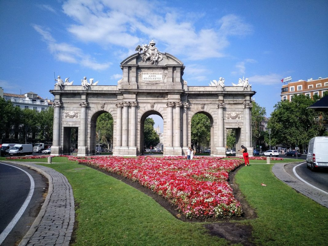 أبرز المعالم السياحية في مدريد : بويرتا دي الكالا