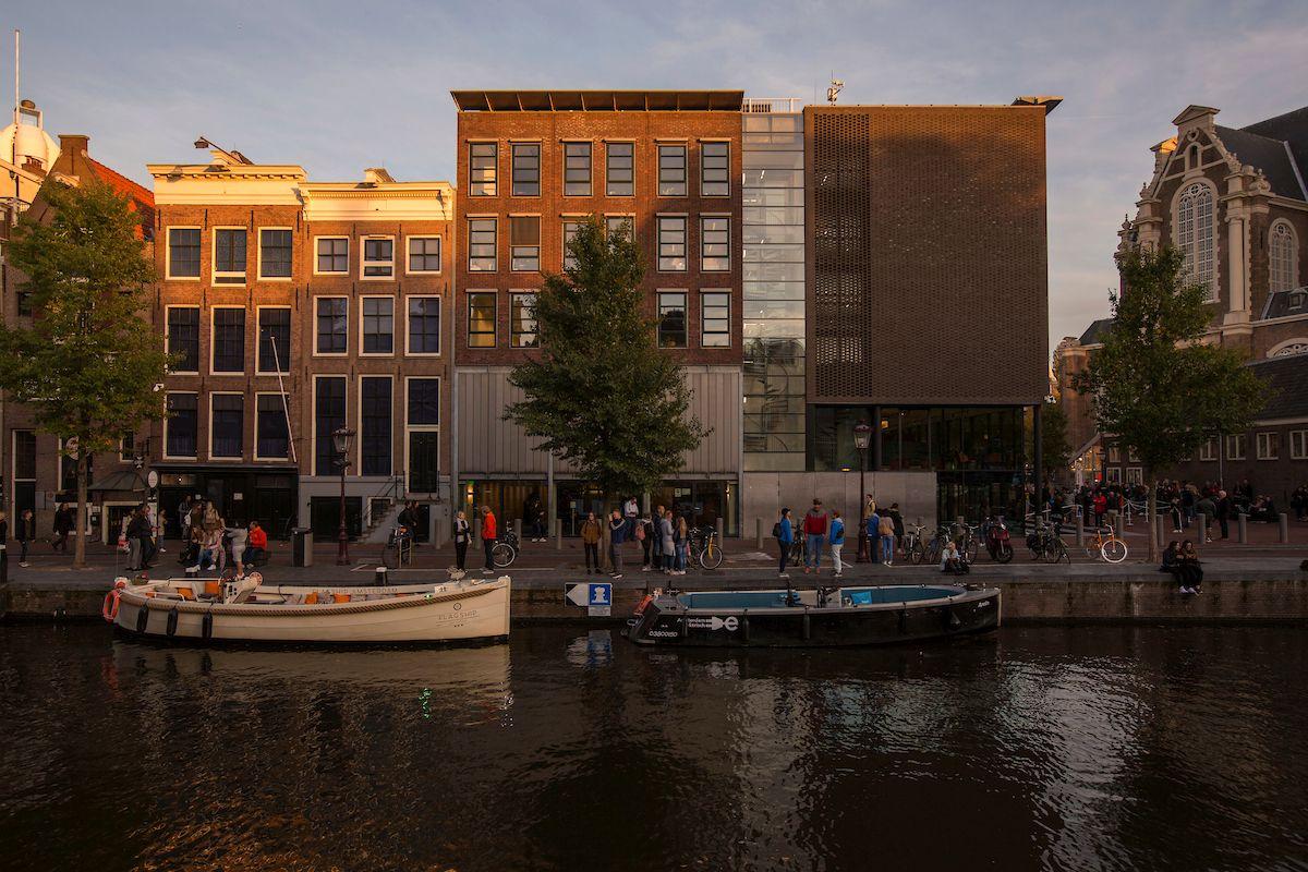 بيت آن فرانك من أشهر المناطق السياحية في أمستردام هولندا