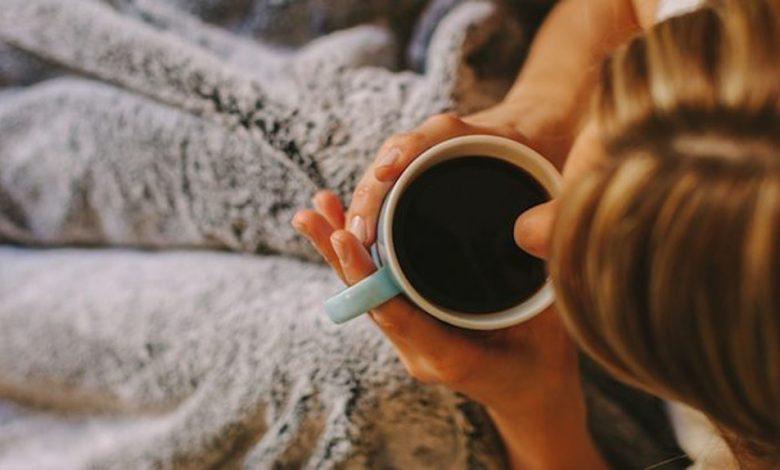 تجنب أحتساء الشاي أو القهوة في هذه الأوقات