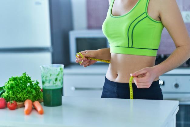 مشروب الديتوكس في تخفيض الوزن