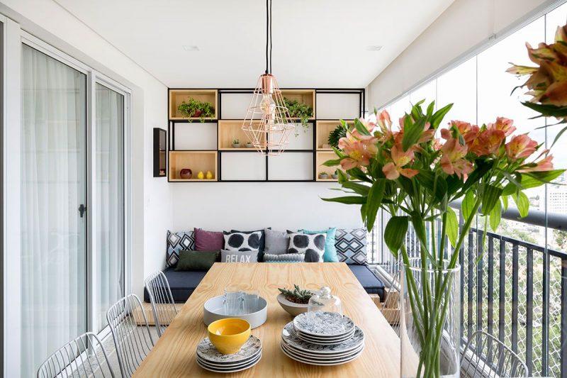 افكار لتزيين شرفة المنزل تحتوي علي مساحة للطعام