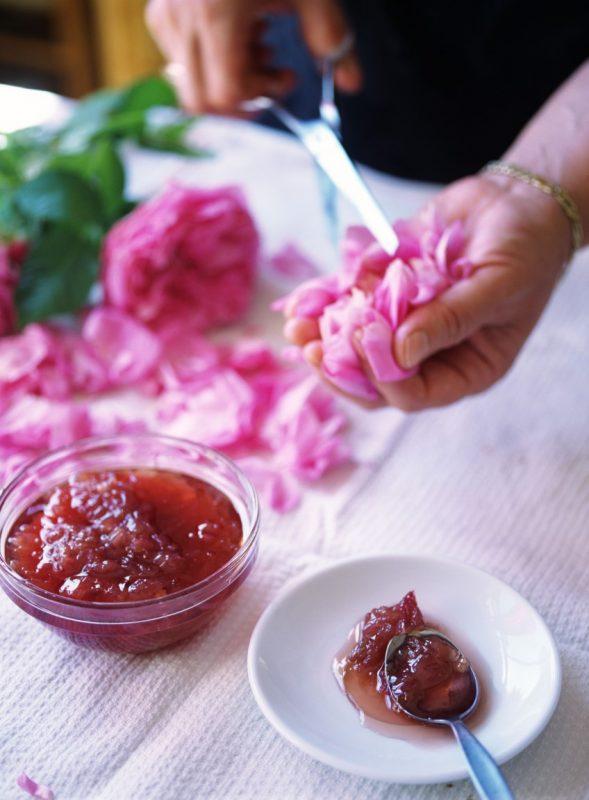 طريقة عمل مربي الورد