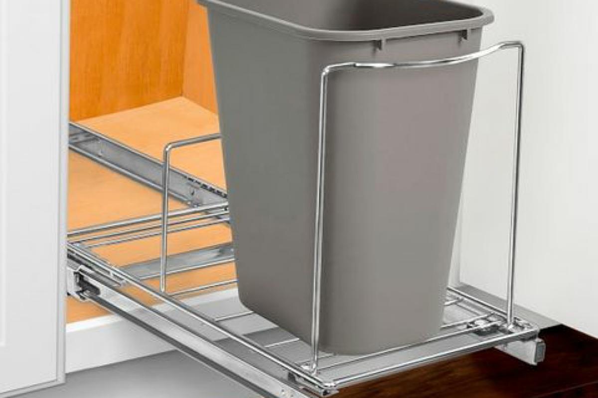 أدوات تنظيم المطبخ :  سلة مهملات داخل الدولاب