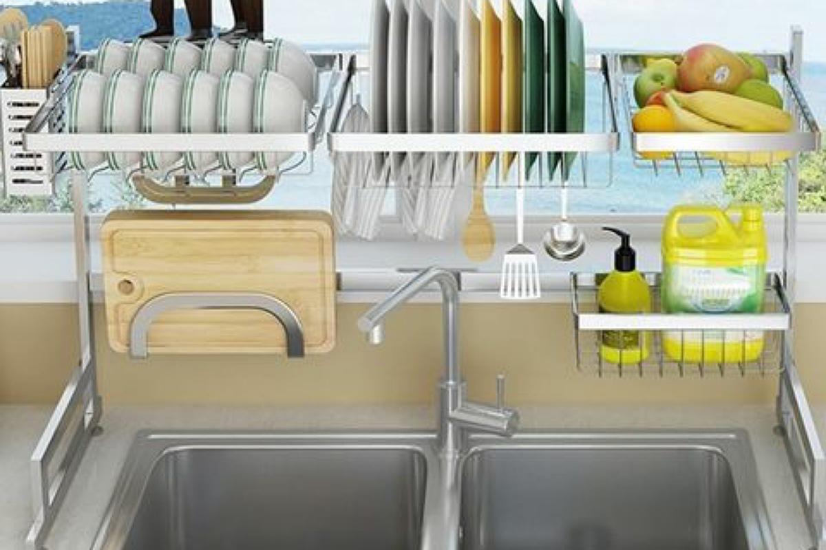 رف تجفيف الأطباق فوق الحوض