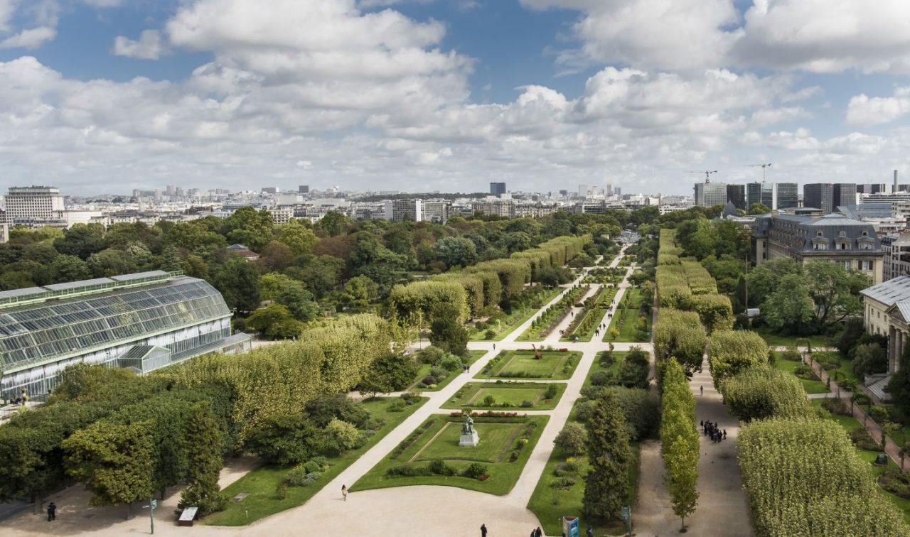حديقة النباتات من أشهر الأماكن السياحية في باريس فرنسا