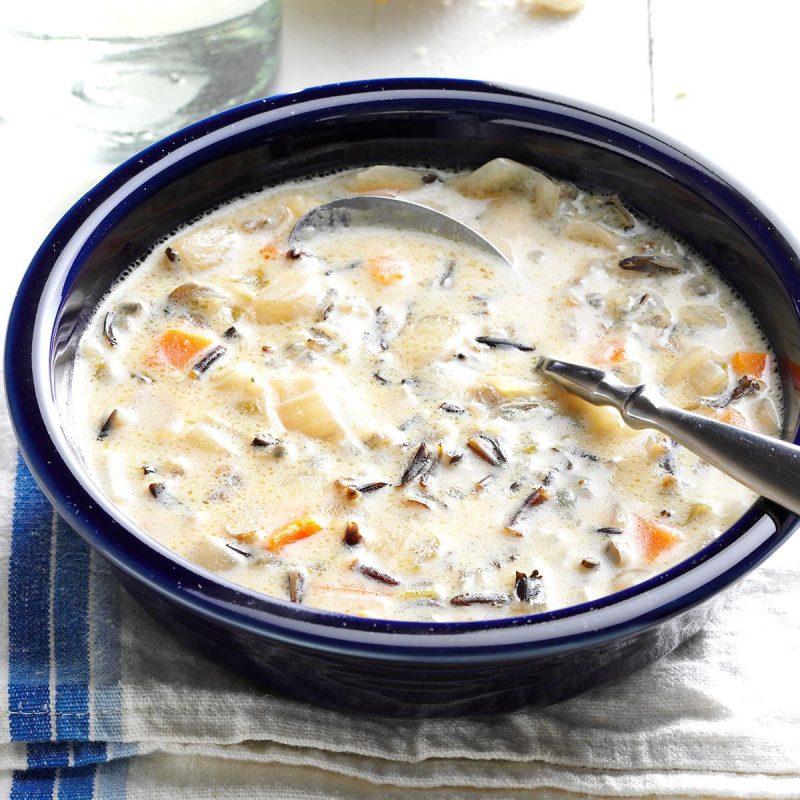 حساء الأرز البري من أشهر وصفات الحساء الأمريكي