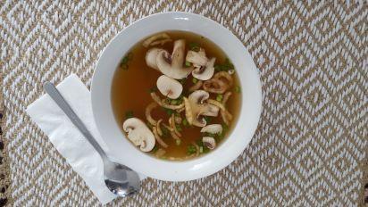 حساء البصل الياباني من أشهي أنواع الحساء الياباني