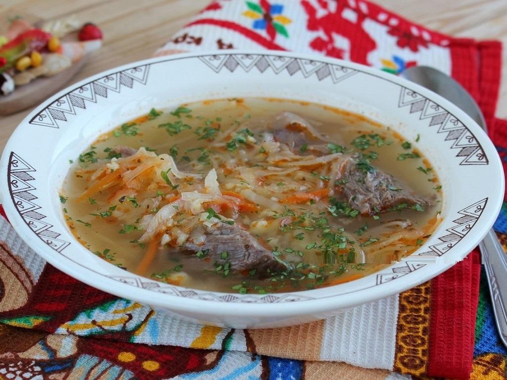 حساء الكرنب الأوكرانية