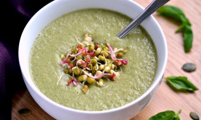 حساء الكوسة من أشهر أنواع الحساء التونسي