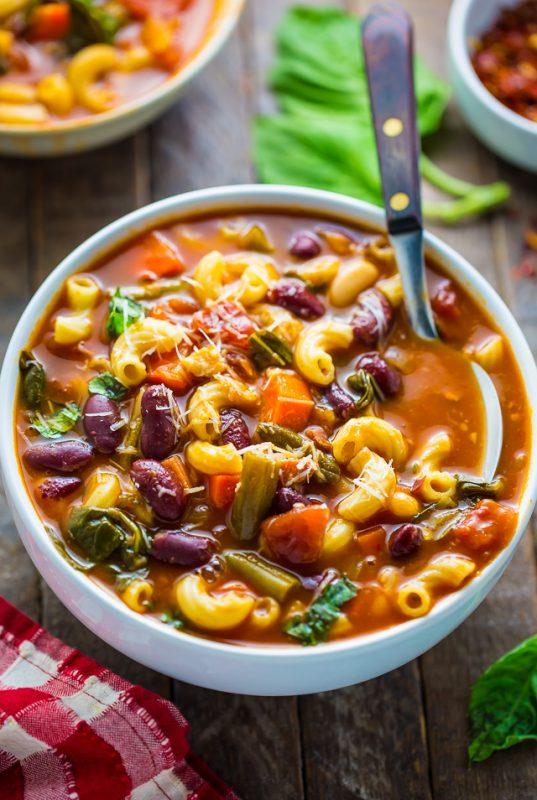 حساء الماينسترون الإيطالية