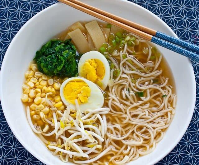 حساء النودلز الياباني