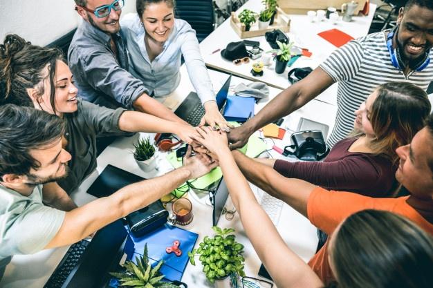 حلول لمساعدتك على التعامل مع زملائك في العمل