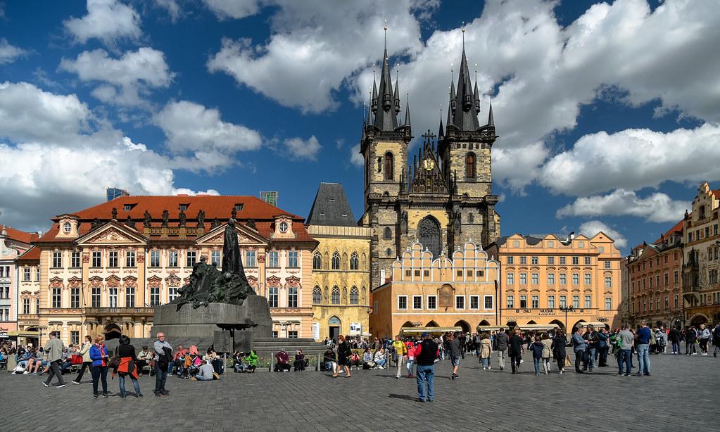 ساحة البلدة القديمة