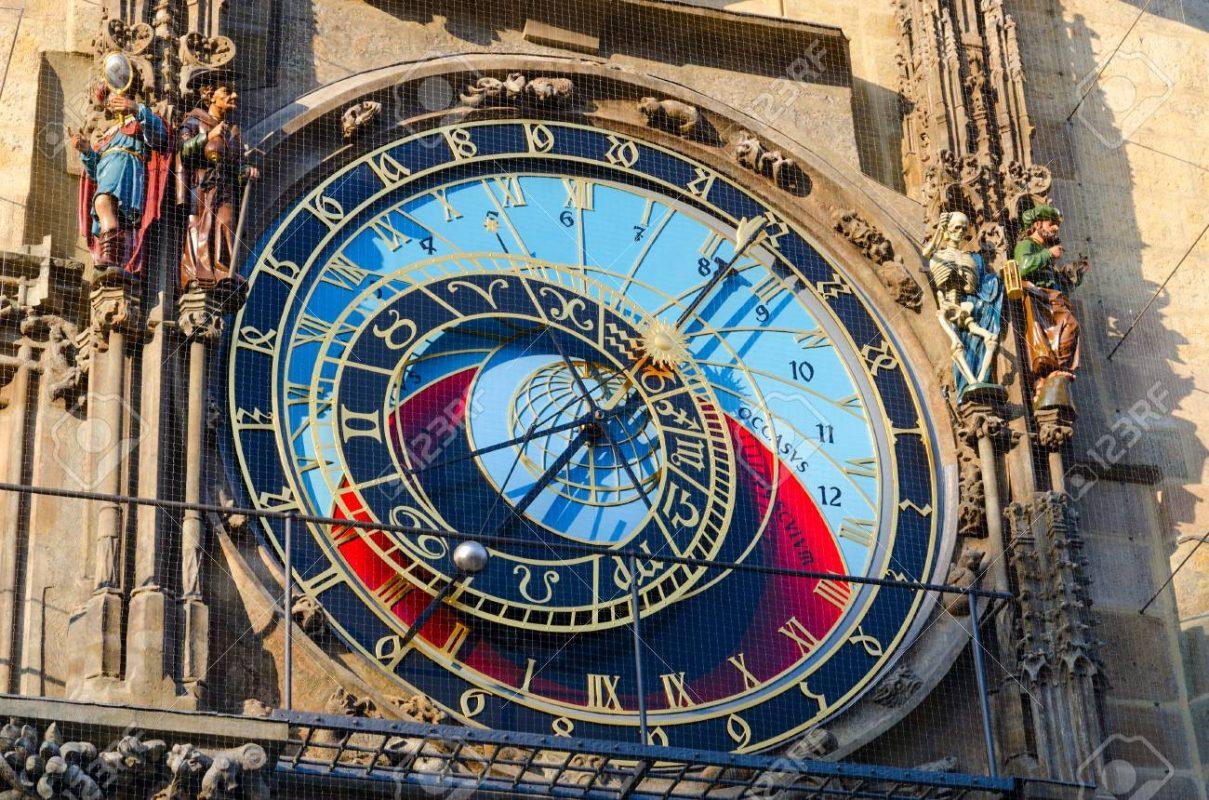 المناطق السياحية في براغ : ساعة براغ الفلكية