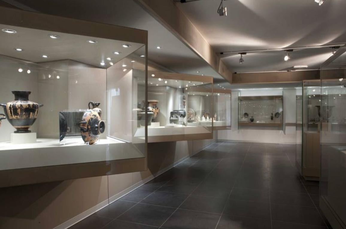 سان ماوريتسيو و متحف علم الآثار