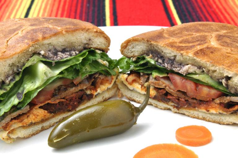 شطائر التورتاس من أشهر أكلات المكسيك