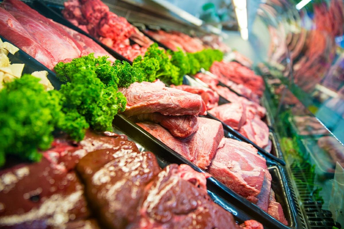 للحفاظ علي صحة القلب : قلل من تناول اللحوم الحمراء