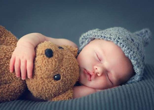 طرق وأساليب النوم لدى الأطفال