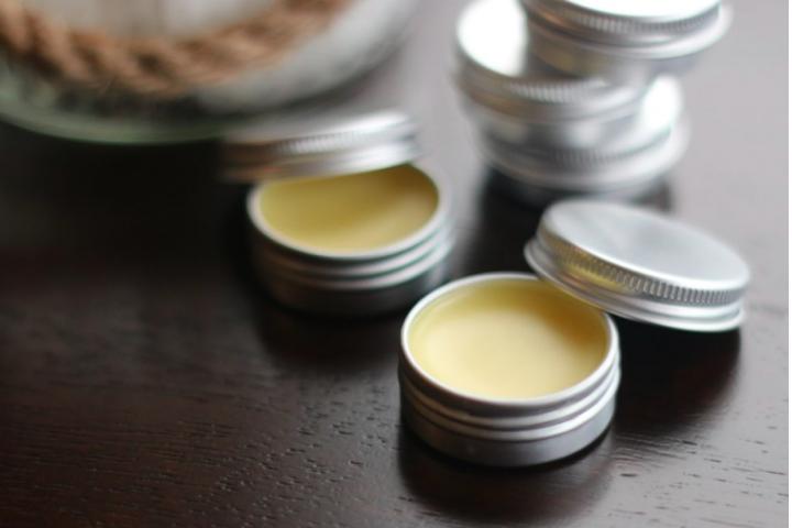 طريقة عمل العطور في المنزل باستخدام شمع العسل